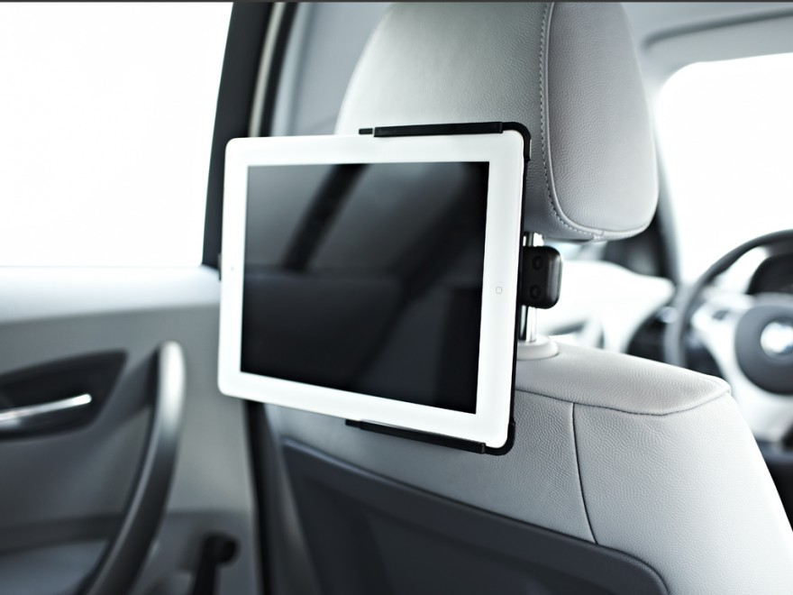 xmount car ipad 2 kofst tzenhalter bringt das kino ins. Black Bedroom Furniture Sets. Home Design Ideas